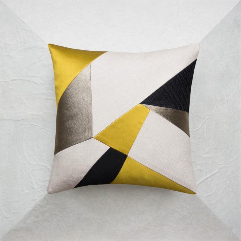 The collections maison popineau for Au maison cushions