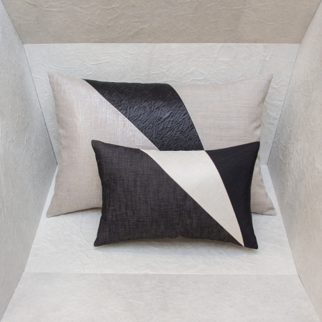 Maison popineau which cushions for decorating a bed for Au maison cushions