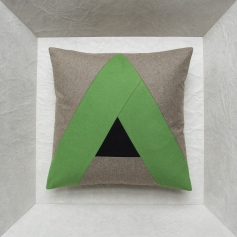 Maison Popineau specialist of 40x40 cushions or 45x45 cushions
